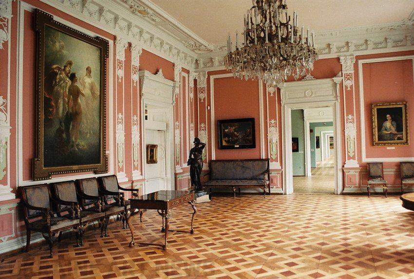 Зфондів Львівської галереї мистецтв зникли понад 600 експонатів— директор